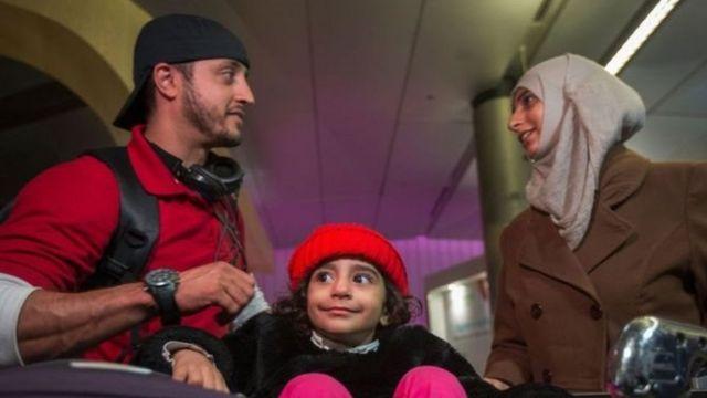 Bu o deməkdir ki, İraq, Suriya, İran, Liviya, Somali, Sudan və Yəməndən olan viza sahibləri ABŞ-a daxil ola biləcəklər