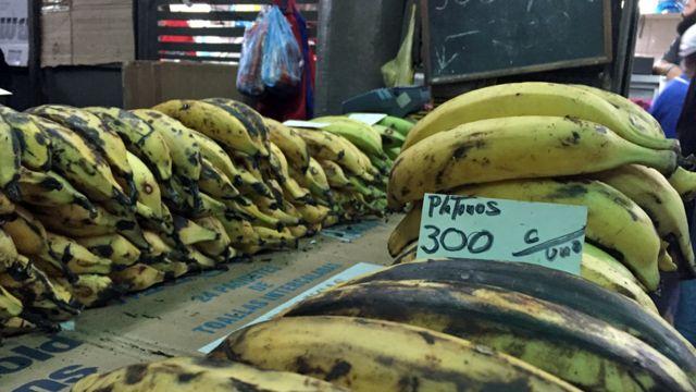 Venta de plátano en Caracas.