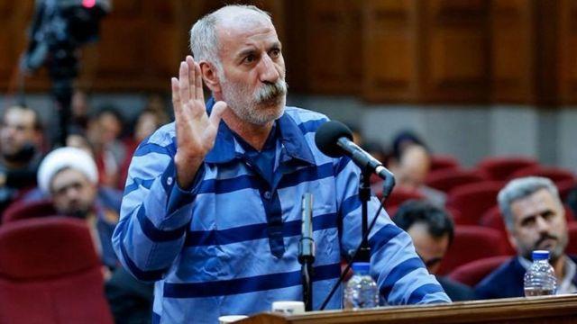 محمدرضا ثلاث اتهام حمله عمدی با اتوبوس به ماموران امنیتی را رد کرده بود