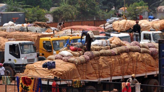 Un convoi humanitaire en Centrafrique