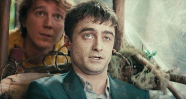 """Paul Dano y Daniel Radcliffe en """"Swiss Army Man""""."""