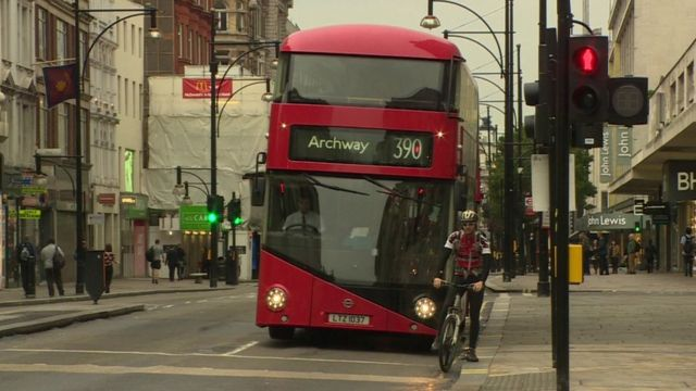 Campaigners Say It Would Be Safer If Cyclists Could Turn Left During A Red  Light