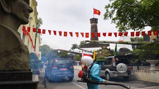 Người Việt chống dịch trong bối cảnh tự hào dân tộc