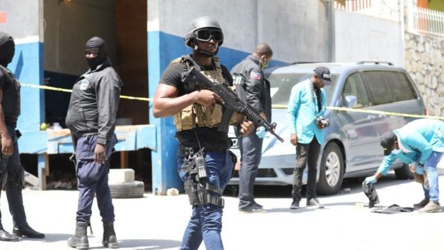 Search for evidence outside the residence of the President of Haiti, Jovenel Moïse.