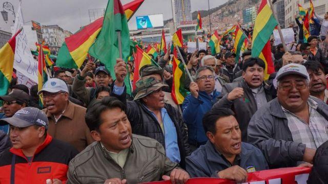 La paralización del conteo rápido de resultados la noche de las elecciones disparó las manifestaciones de calle.