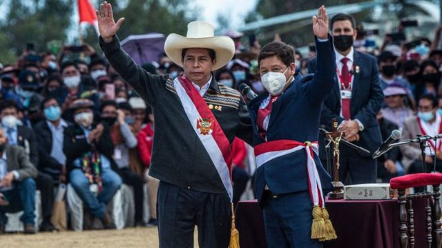 Bellido junto al presidente de Perú, Pedro Castillo.