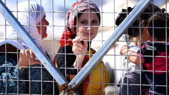 Türkiye yaklaşık 3 milyon Suriyeli mülteci ile dünyanın en büyük mülteci nüfusuna sahip ülkesi