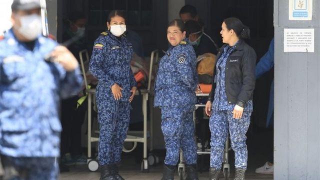 Guardias resguardan a victimas del motín