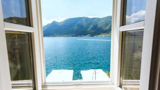 Ventana con vista al mar
