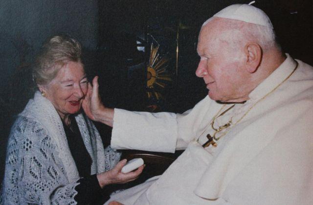 バチカンでティミエニエツカ氏と会ったヨハネ・パウロ2世