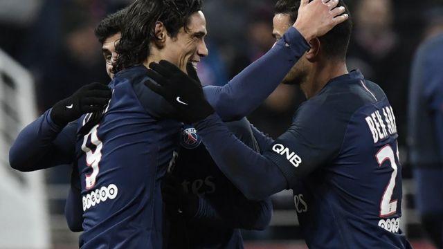 Le PSG, victorieux de Bordeaux, accueillera le FC Barcelone mardi, un match comptant pour les 1/8e de finale de la Ligue des Champions.