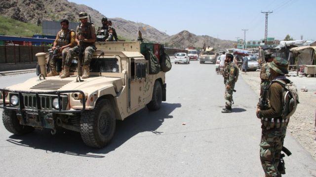 আফগানিস্তানের নাঙ্গারহারে তালেবানের সঙ্গে যুদ্ধরত আফগান সেনা