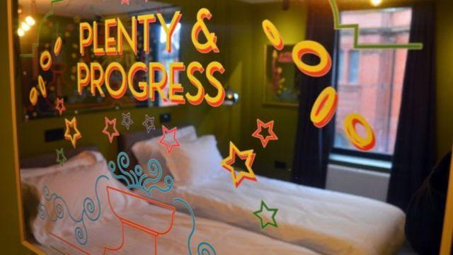 Plenty and Progress menggunakan cermin dan rancangan berdasarkan arsitektur Blackpool.