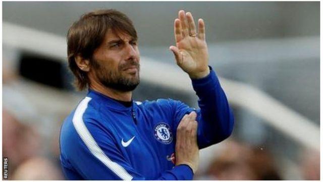 Umutoza Conte yatwaye shampiyona ya Premiere League n'igikombe cya FA mu myaka ibiri yamaze atoza Chelsea