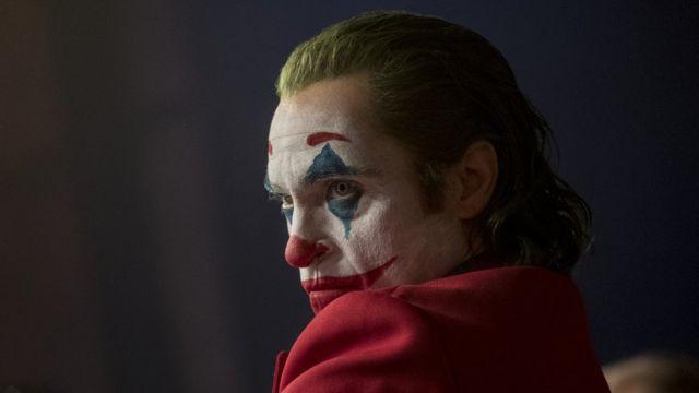 Joaquín Phoenix como Joker