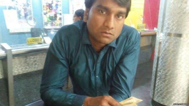 मुंबई में सिनेमा घर में एक दर्शक