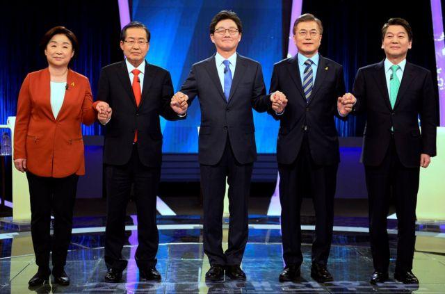 韓國總統候選人:(從左至右)沈相奵、洪凖勺、劉承旼、文在寅和安哲秀