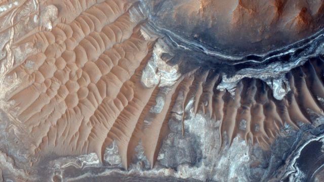 Foto de la superficie de Marte tomada por el Mars Reconnaissance Orbiter.