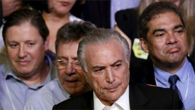 ルセフ大統領の権限が一時停止となった場合には、テメル副大統領(写真中央)が暫定大統領になる見通し