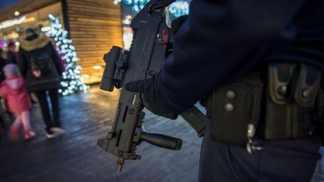 फ्रांस के सुरक्षाकर्मी