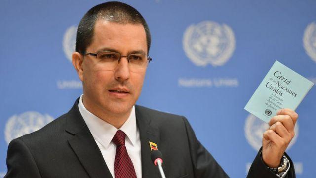 El canciller de Venezuela, Jorge Arreaza, aseguró que los militares no atacarán a civiles desarmados.