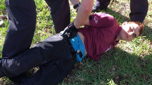 نیکولاس کروز هنگام دستگیری
