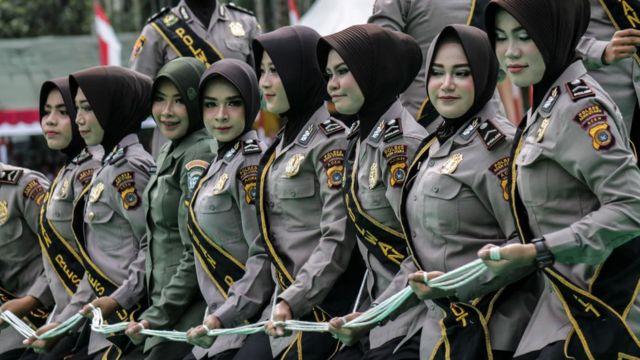 ইন্দোনেশিয় সেনা বাহিনীর নারী সদস্যরা