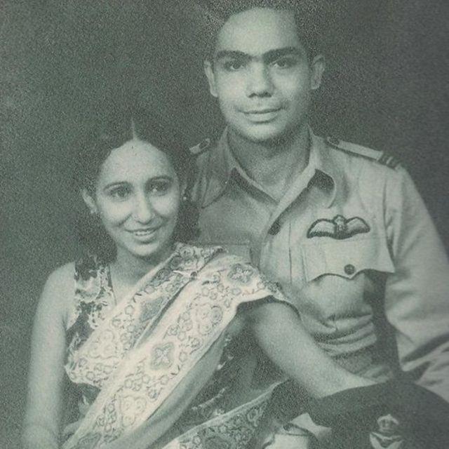 जहांगीर इंजीनियर अपनी पत्नी के साथ.