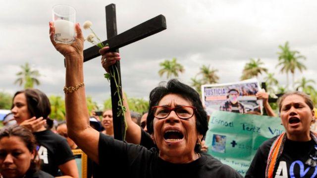 Madres exigiendo justicia para sus hijos muertos en las protestas de abril de 2018 en Nicaragua.