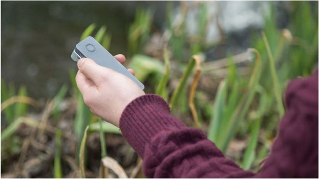 Handheld device sequences human genome