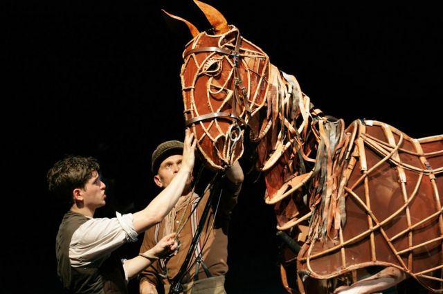 Fight to save WW1 Kent stables taken to War Horse audiences