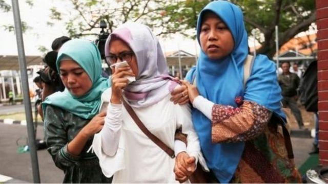 'Yan uwan fasinjojin jirgin sun shiga alhini a Jakarta
