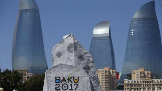 Три башни Flame Towers уже стали новыми символами столицы Азербайджана