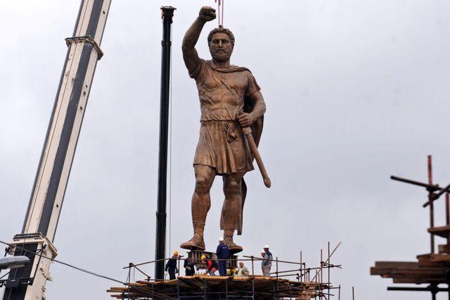 Estatua de Felipe de Macedonia en Skopje