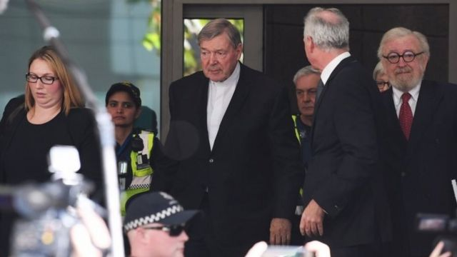 George Pell al salir del tribunal
