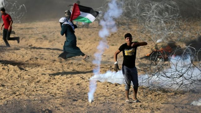 فلسطینیان خواهان حق برگشت به سرزمینهایی هستند که با تاسیس اسرائیل در سال ۱۹۴۸ از دست دادهاند.