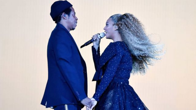 Jay-Z and Beyonce Knowles perform on stage during dia 'On the Run II' tour for Principality Stadium on June 6, 2018 for Cardiff, Wales