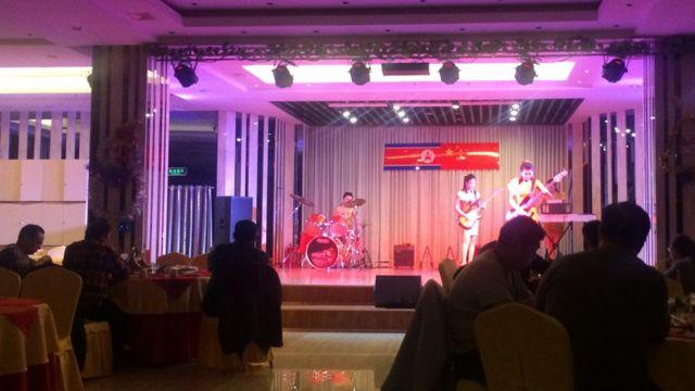 レストランでは北朝鮮の音楽を演奏して客をもてなす(写真は山西省大同にあるレストラン)