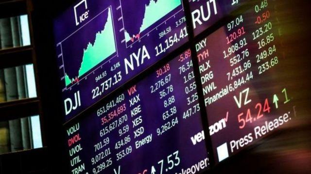 میزان سقوط ارزش شاخص های بازارهای بورس و اوراق بهادر آمریکا پیش از تعطیلات کریسمس در یک دهه گذشته بی سابقه بود
