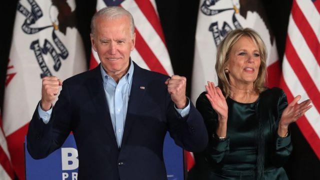Джо Байден с женой Джилл во время предвыборной кампании в феврале 2020 года