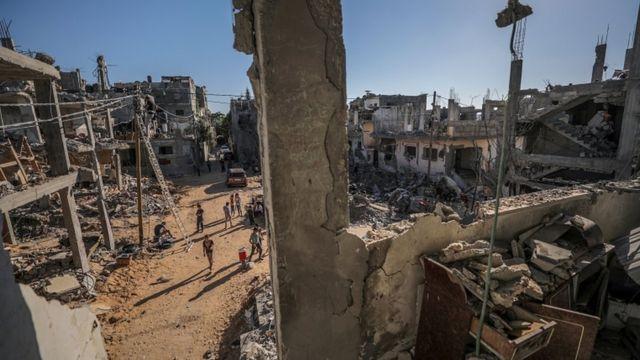 Gazze'de bombardıman sonucu yüzlerce ev hasar gördü