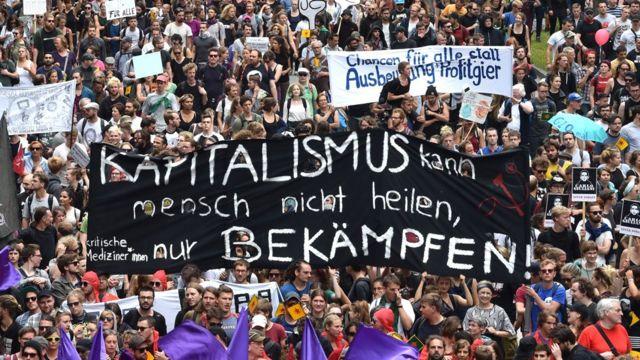 """""""Капитализм нельзя исправить, его можно только победить"""". Век спустя по Европе вновь бродит призрак, обещающий верхам неприятности от имени низов"""