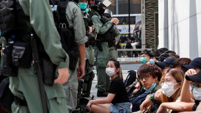 香港近日亦爆發多場反政府示威。