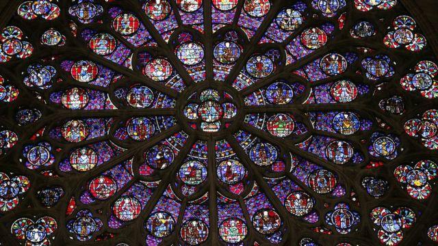 Vitral de Notre Dame.
