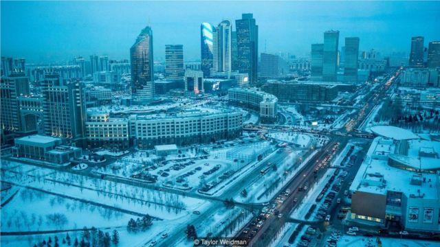 俄语是哈萨克斯坦的城市通用语言,譬如首都阿斯塔纳(Credit: Taylor Weidman)