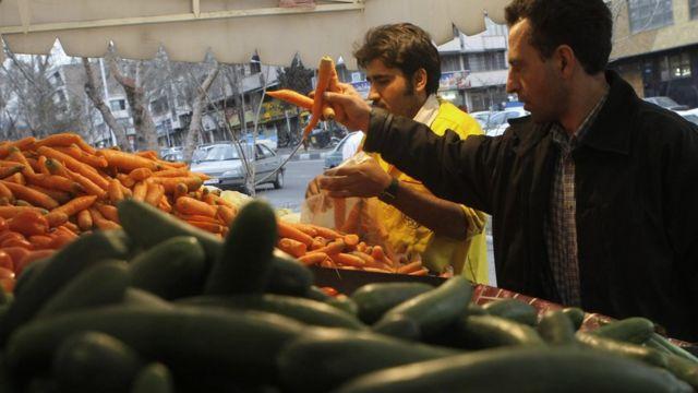 بگفته منابع دولتی در ایران نرخ تورم در این کشور به زیر ده درصد رسیده است