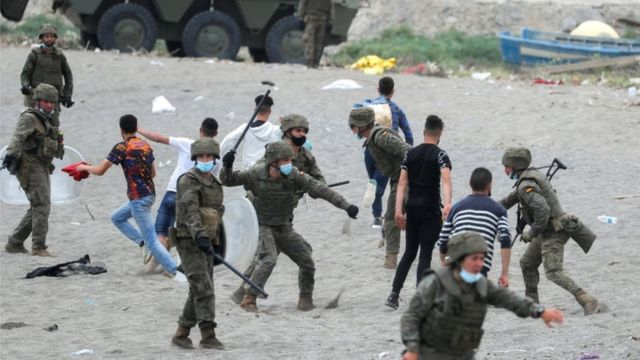 Some Spanish soldiers were seen beating young Moroccans on the beach at Tarajal, near the border between Spain and Morocco.