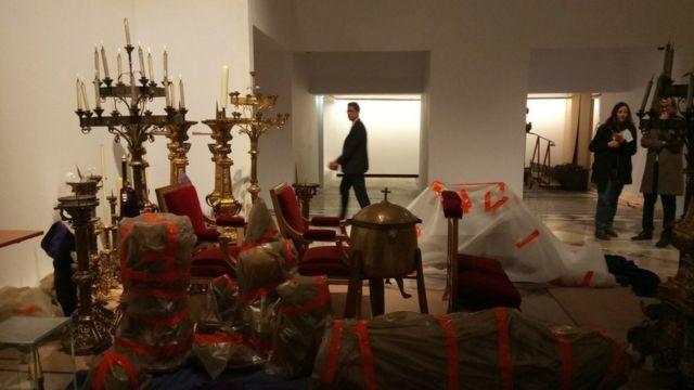 Umetnička dela i relikvije iz Notr Dama sada se nalaze u pariskoj gradskoj skupštini
