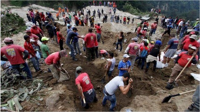 Rescue workers at Guatemala mud slide