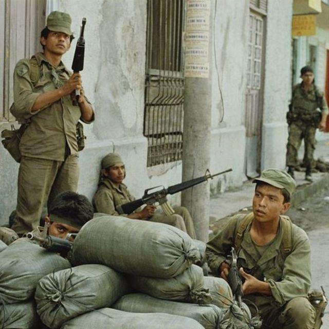 Guerrilheiros de El Salvador